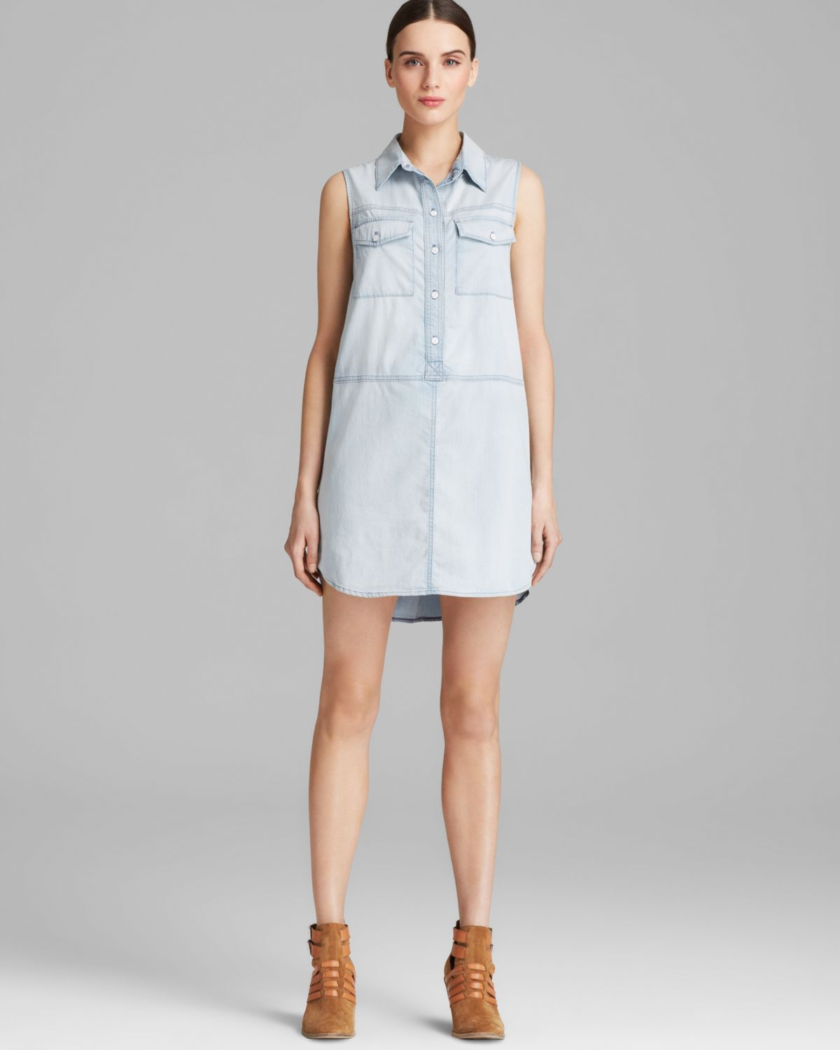 model boyish dress pendek dari bahan blue jeans